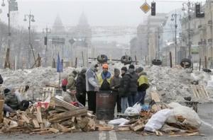 En-Ukraine-la-crise-politique-se-double-d-une-crise-economique_article_main